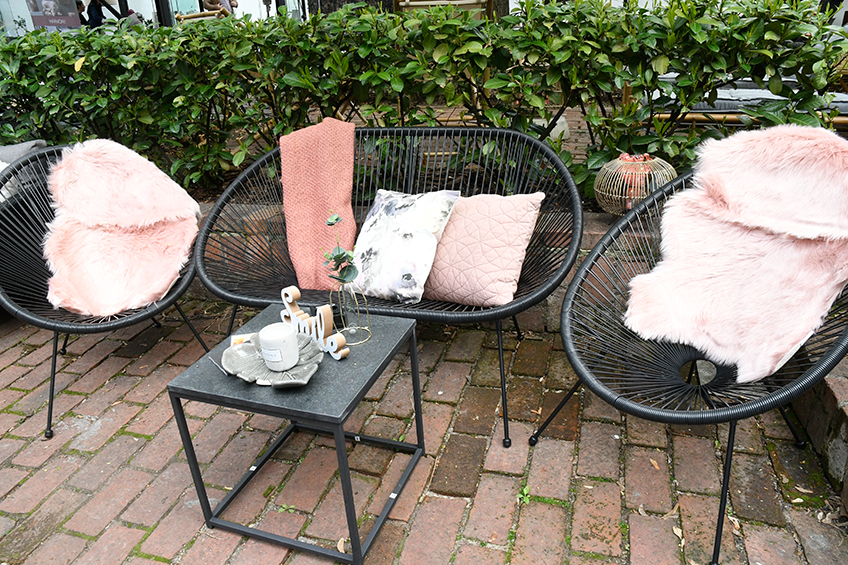 Garden set-ul with UBBERUP lounge set