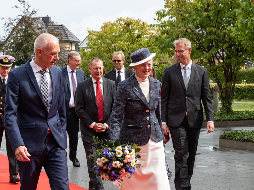 Queen arrives at JYSK in Handewitt