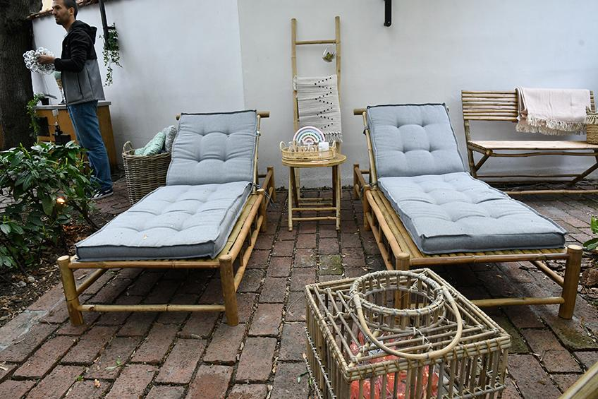 BAMLE sun loungers set up